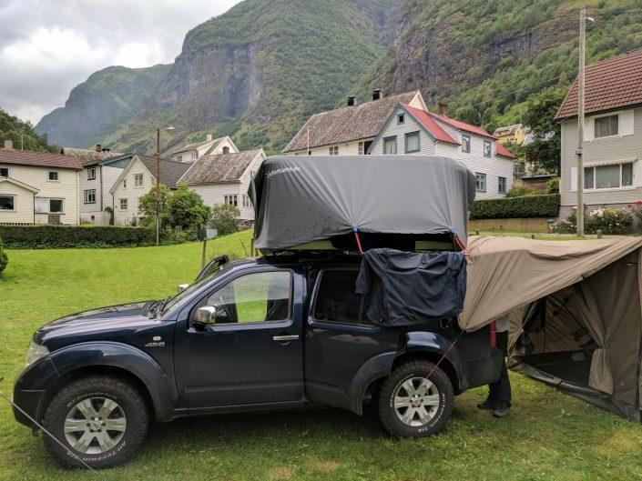 Dachzelt abdeckung atmungsaktiv zweckentfremdete Wettertuete - warum nicht. Urlaub in Skandinavien