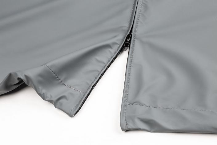Diese Sonnenschirmhülle wird mit Reißverschluss und Stockhülle gefertigt. Auch Maßanfertigungen der Abeckhauben sind möglich.
