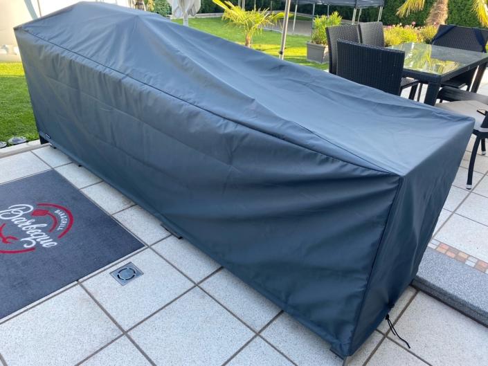 Hier haben wir unser RipStop Material für die Außenküche verwendet. Das bietet bei dieser Art von Outdoorküche den besten Schutz.